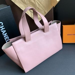 🌸 GIORGIO ARMANI PINK LEATHER TOTE 🌸